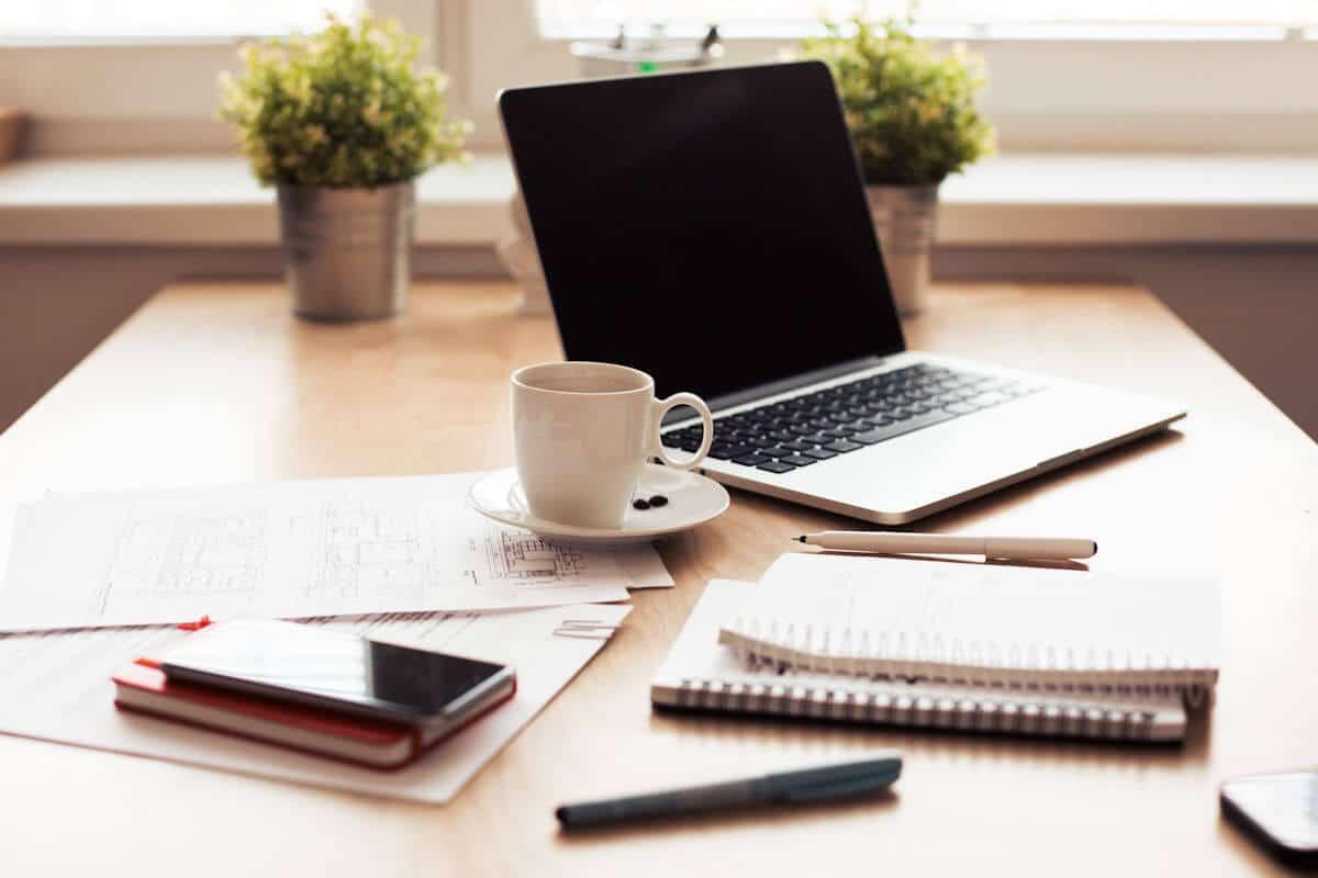 Administratif et entrepreneure